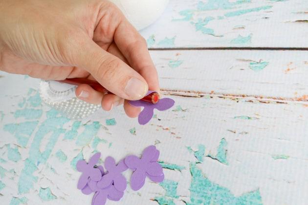 Wedding ideas  Curl-the-petal-edges