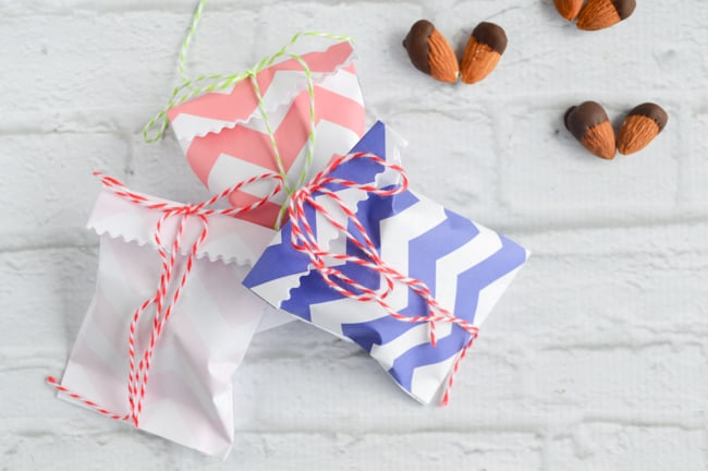 printable treat bags with almonds