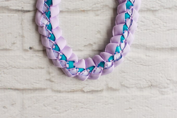 braided ribbon lei