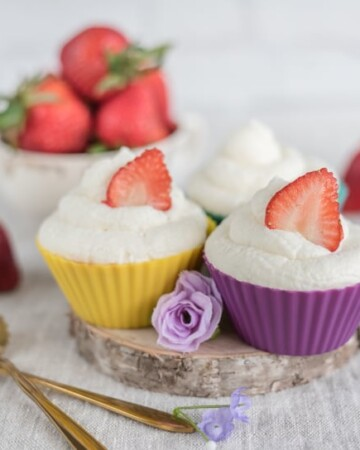 strawberry shortcake cupcakes with whipped cream