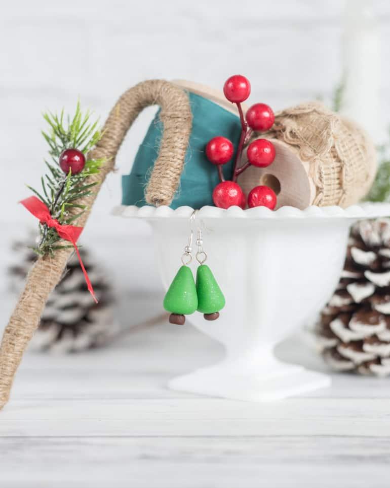 Easy polymer clay christmas tree earrings tutorial