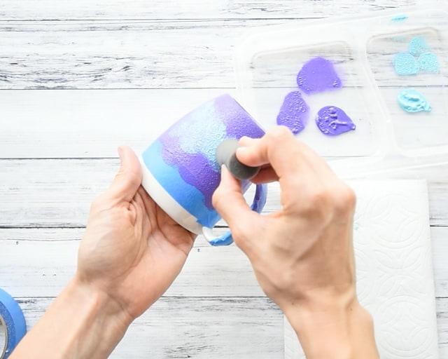 add blue paint to galaxy mug