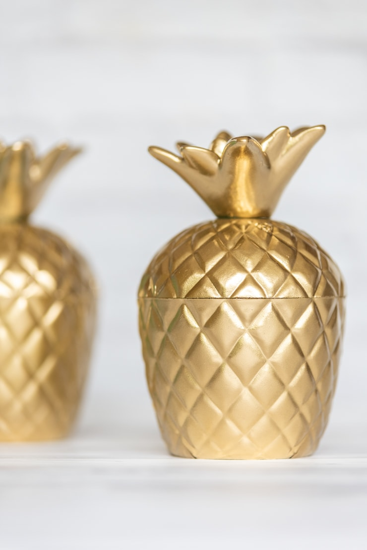 easy DIY gold pineapple bookend